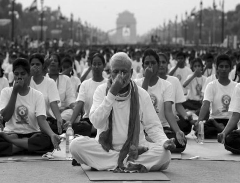 mass yoga class and yoga teacher training in India